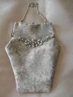 Silkkigabardiinilaukku
