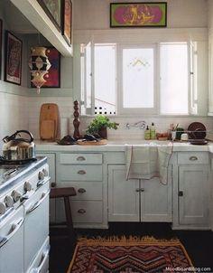bright little kitchen  (cabinets:Benjamin Moore Wickham Gray)