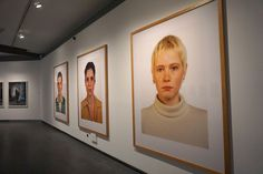 """Thomas Ruff #Exposición """"Rostros. Fotografía de retrato en Europa desde 1990"""" #CentroCentro #Cibeles #Madrid  #Fotogafía #Photography #PHE16 #PHOTOESPAÑA #Arterecord 2016 https://twitter.com/arterecord"""