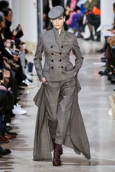 Akris Fall 2020 Ready-to-Wear Collection - Vogue Catwalk Fashion, Fashion Show, Women's Fashion, Vogue Paris, Royal Blue Outfits, 2020 Fashion Trends, Vogue Russia, Models, Fashion Sewing