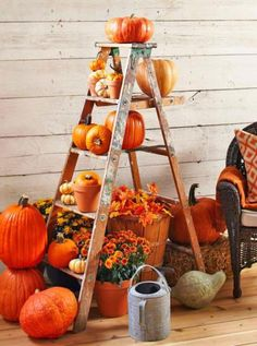 3 outdoor displays for fall - Erntedankfest - Halloween Ideas Autumn Decorating, Porch Decorating, Decorating Ideas, Fall Decorating Outside, Outside Fall Decorations, Harvest Decorations, Table Decorations, Interior Decorating, Fall Home Decor