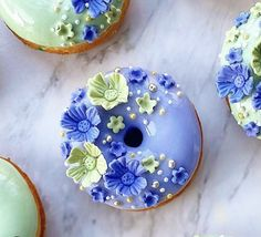 Doughnuts, Plates, Tableware, Licence Plates, Dishes, Dinnerware, Griddles, Tablewares, Dish