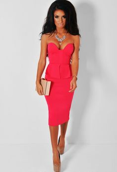 BELLE PINK STRAPLESS PEPLUM LAYER MIDI DRESS Pink Peplum Layer Midi Dress with Sweetheart Neck £34.95 We're absolutely in LOVE with this gorgeous pink midi dress from our Pink Boutique exclusive collection. It features a beautiful peplum waist layer, a sweetheart neck and a back skirt split. Amaze with a cute clutch and heels!   ♥ Padded bust ♥ Polyester and elastane ♥ Underarm to hem measures approx. 86cm ♥ Model is 5'4''♥