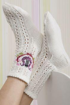 Women& Lace Socks with Lace Embroidery Novita Wool Lace Socks, Wool Socks, Knitting Socks, Hand Knitting, Lace Embroidery, Leg Warmers, Bunt, Mittens, Winter Fashion