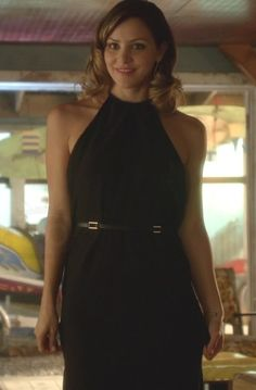 Paige Dineen in Scorpion  S01E06