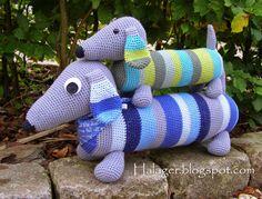 Halager: DIY - Hæklede gravhunde--*use translator for instructions. Crochet Towel, Diy Crochet, Crochet Baby, Amigurumi Patterns, Crochet Patterns, Crochet Dragon, Crochet Kitchen, Knitted Animals, Crochet For Kids