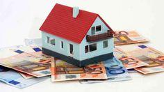 Con l'abbassamento del costo del denaro e il crollo della rendita mobiliare il mattone torna ad essere bene d'investimento.