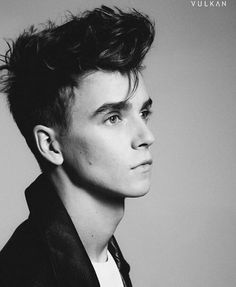 *Touches Joe Sugg's jawline* *cuts finger*