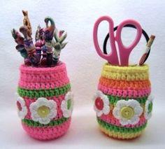 Free pattern for Rainbow Bright Jar Cozies.  So pretty.  Thanks to Brenda Stratton.