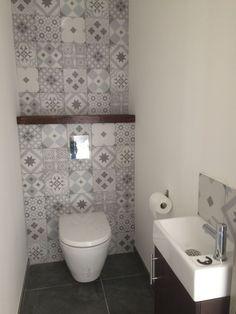 Small bathroom renovations 382031980877597440 - Toilette lave main Source by schmittdavina Tiny House Bathroom, Bathroom Toilets, Bathroom Design Small, Bathroom Layout, Bathroom Interior Design, Bathroom Mirrors, Modern Bathroom, Bathroom Vintage, Bathroom Ideas