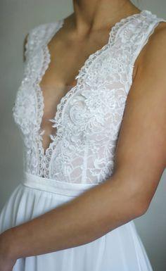 Svadobné šaty s elastickým živôtikom a šifónovou sukňou