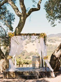 Sonoma vineyard ceremony: http://www.stylemepretty.com/2015/02/19/black-tie-sonoma-valley-carnival-wedding/ | Photography: Jessica Burke - http://www.jessicaburke.com/