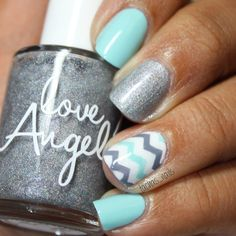 #Repost @tachas_nails ・・・ Mint and gray mani tonight inspired by a phone case I saw on Pinterest! I used @essiepolish Petal Pusher and Blossom Dandy, @shoploveangeline Dazzling Diamonds and Topped with love and @zoyanailpolish Purity, my vinyls are the regular chevron from @snailvinyls.