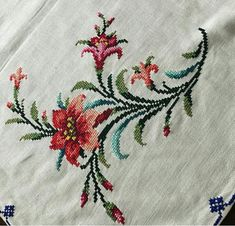 Cross Stitch Charts, Cross Stitch Embroidery, Cross Stitch Patterns, Textiles, Flower Coloring Pages, Yarn Needle, Needlework, Bargello, Floral