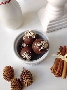 Glühwein Lebkuchen Pralinen - aboutVerena Winterliche / weihnachtliche Cake Pops, Gingerbread Truffles, Weihnachtsbäckerei