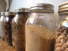 Non-Meal Planning: keeping a well-stocked pantry, only going to the store to re-stock on staples, and planning meals 24 hours in advance based on what's plentiful in your pantry. Meals In A Jar, Canning Recipes, Menu Planning, Kitchen Hacks, Freezer Meals, Food Hacks, Food Tips, Homemaking, Food Storage