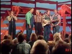 The Hee Haw Gospel Quartet - Amazing Grace(Buck Owens, Grandpa Jones ,Roy Clark and Kenny Price) Hee Haw Show, Grandpa Jones, Roy Clark, Buck Owens, Worship Songs, Graceland, Kinds Of People, Amazing Grace, Vernon