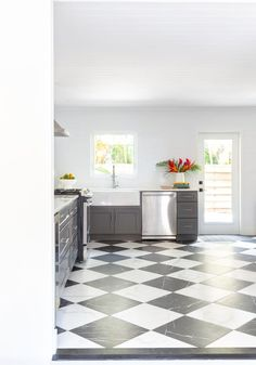 Discover Kitchen design ideas & inspiration, expertly curated for you. Explore Kitchen decor and design ideas, save them to inspire your next project, and shop your favorite products. Contemporary Kitchen Design, Interior Decorating, Interior Design, Dining Room Design, Room Interior, Kitchen Decor, Design Ideas, Inspire, Explore