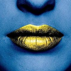 """beautylish: """" Think you can't pull off gold lips? Get inspired by this black gold lip art tutorial! Going For Gold, Beautiful Lips, Hello Gorgeous, Lip Service, Lip Art, Lipstick Art, Lipsticks, War Paint, Hair And Nails"""