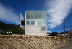 RA House by Baqueratta