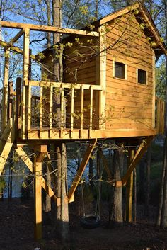 Build a Tree House- 45 fun things to do with your older kids this summer via Three Pixie Lane