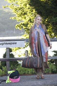 jessa girls style colorful scarf. ughkeepsie.... Peekskill train station!