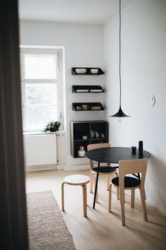 Minimalist Kitchen Interior - Christoph Kummecke Apartment - Berlin (9) – Design. / Visual.