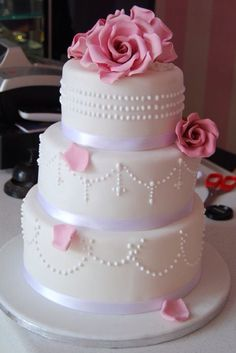 very pretty...don't like the top tier dots.