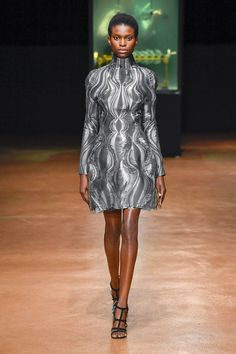 Iris van Herpen Fall 2017 Couture Collection #fashion #runway