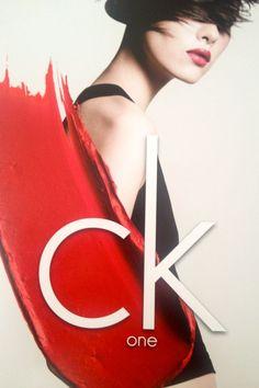 CK One feiert ein Comeback mit Beauty. Ab September erhätlich.