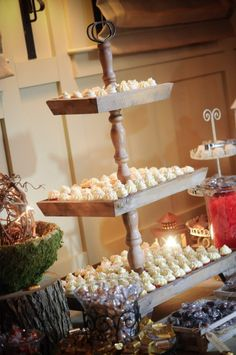 Awesome cupcake stand! I want this!!!