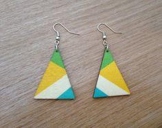 Retro houten oorbellen geometrisch driehoekig blauw door MadeByLeave
