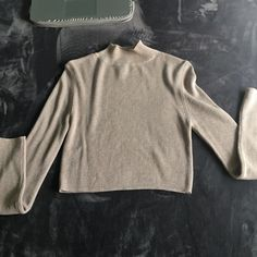 Mock neck sweater Beige knit mock neck turtleneck sweater * worn once perfect condition* Forever 21 Sweaters Cowl & Turtlenecks