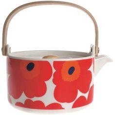 Marimekko Unikko teapot ($98) found on Polyvore featuring home, kitchen & dining, teapots, marimekko, white teapot, white stoneware, tea pot and white tea pot