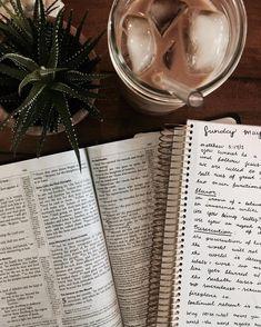 ʚ pin - lloverrose ɞ School Motivation, Study Motivation, Bibel Journal, School Notes, Study Hard, Study Inspiration, Studyblr, Study Notes, Study Tips