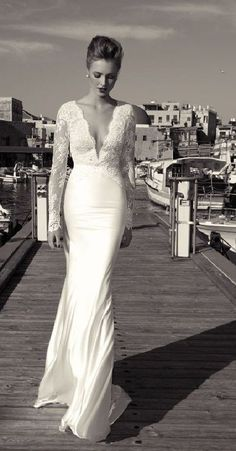 My dream dress. Long sleeved,fitted,and lace☺