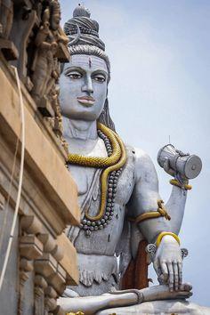 Shiva is one of the supreme beings who creates, protects and transforms the universe Shiva Linga, Mahakal Shiva, Shiva Statue, Shiva Art, Ganesh Lord, Lord Krishna, Lord Shiva Sketch, Lord Shiva Hd Images, Hanuman Images