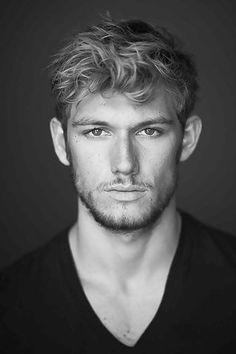 Some say Alex Pettyfer is the best man to play Mr. Grey. Charming good looks and the tousled hair? No stranger to taking off his clothes *ahem Magic Mike*