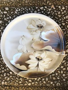 Week-end stage acec Tatiana - Porcelaine en Cours . Week-end stage acec Tatiana - Porcelaine en Cours . Porcelain Jewelry, Porcelain Vase, Fine Porcelain, Pottery Painting, Ceramic Painting, Porcelain Insulator, Decoupage Plates, China Dinnerware Sets, China Painting