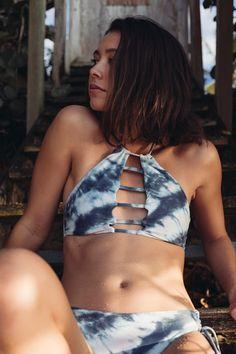 Take the plunge in ocean blues and crisp whites || TIDALWAVE HIGH NECK BIKINI TOP