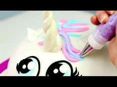 Amazing cakes decorating tutorials - Cake Style - The Most Satisfying Cake Video In The World Today I'm sharing a fun Day Buttercream Rainbow Cake Tutorial! Cake Decorating Videos, Cake Decorating Techniques, Cookie Decorating, How To Make A Unicorn Cake, Princess Dress Cake, Troll Cupcakes, Cupcake Youtube, Artist Cake, Fiesta Cake