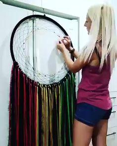 Dream Catcher Patterns, Dream Catcher Art, Large Dream Catcher, Diy Dream Catcher Tutorial, Circular Weaving, Beautiful Dream Catchers, Diy Step By Step, Watercolor Feather, String Art
