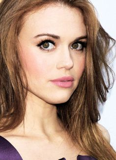 Holland Roden SHE IS PERFECT i actually love teen wolf more than my life so.....