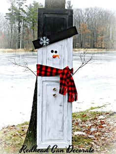 Repurposed Snowman Shutter 2019 This Repurposed Snowman Shutter is so cute and makes perfect home decor for before during and after the holidays! The post Repurposed Snowman Shutter 2019 appeared first on Holiday ideas. Wood Snowman, Snowman Crafts, Christmas Projects, Holiday Crafts, Holiday Decor, Primitive Snowmen, Primitive Crafts, Christmas Signs, Rustic Christmas