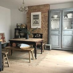 10 Beautiful Rooms: modern rustic kitchen by Kitchen Board, New Kitchen, Mad About The House, Chalk Paint Furniture, Rustic Kitchen, Dining Table, Dining Room, Modern Rustic, New Homes