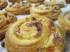 You couldn't fight the urge to get up out of bed due to that sweet aroma dancing through the air. Baking fresh breads, pastries and other sweets in your own. Danish Pastries, Danish Food, Fresh Bread, Pastry Recipes, Best Breakfast, Tasty Dishes, Beverage, Breads, Bakery