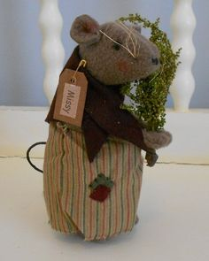 New Country Primitive Collectible Primitive Rolling Pin Mouse Doll