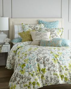 I'm loving this fresh and calming color palette and the pretty prints!