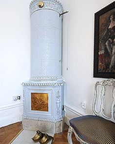 Never been a fan of woodstoves...but this one I love-Gustavian blue Swedish stove (kakelugn)