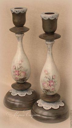 Decoupage Wood, Decoupage Vintage, Decoupage Ideas, Diy Candle Holders, Diy Candles, Shabby Chic Crafts, Vintage Shabby Chic, Bottle Art, Bottle Crafts